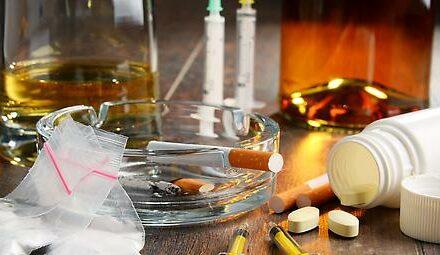 Alkohol gegen Stress, mehr Tabak