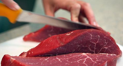Mediziner warnt vor Erregern in Rindfleisch und Milchprodukten