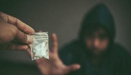 Opioide und andere Substanzabhängigkeiten erhöhen…